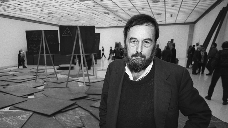 Harald Szeemann at the Viena Kunsthaus' 1993, Joseph Beuys Exhibition