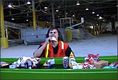 Robin Lasser, Dining at the Dump, 2003, 12 min. video, still